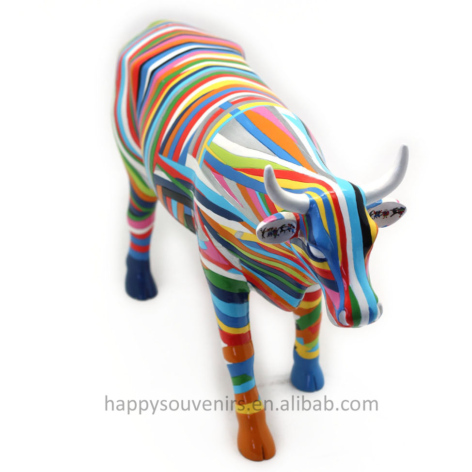 Line Cow High- End Collection Hot-selling Contemporary Mainstream Decoration Resin Sculpture Art Home Ornament