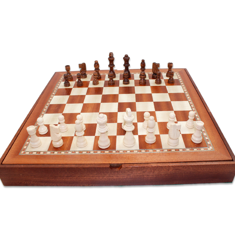 Онлайн шахматы шашки покер i казино играть на гривны