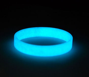 Fashion And Newest Unbranded Silicone Wristbands Glow In The Dark