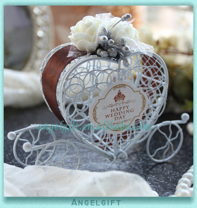 Wedding Favors Heart Chocolate Ribbon White Flower Metal Carriage Chocolate Box