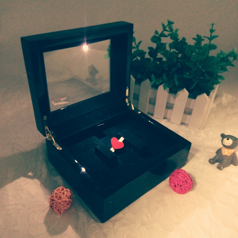 High Quality Beautiful Ring Jewellery Wooden Box With Led Light
