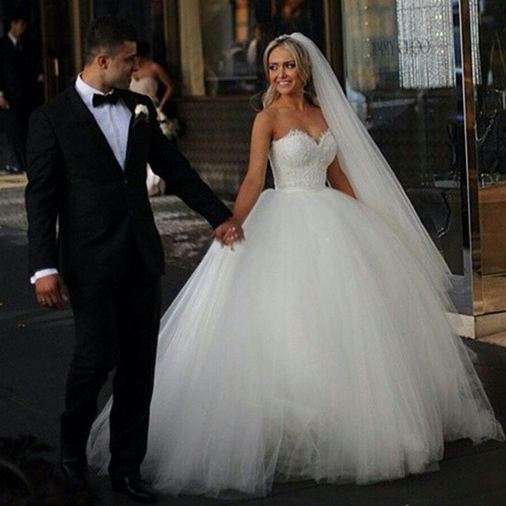 Tulle Ball Gown Wedding Dress: Free Shipping 2015 Sexy Strapless Ball Gown Tulle Wedding