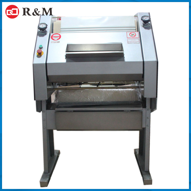 2015 Industrial factory wholesale bread moulder machine french baguette moulder for bakery