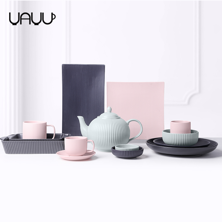 Square shape striped stylish wedding ceramic matte dinner decoration plate for restaurant use