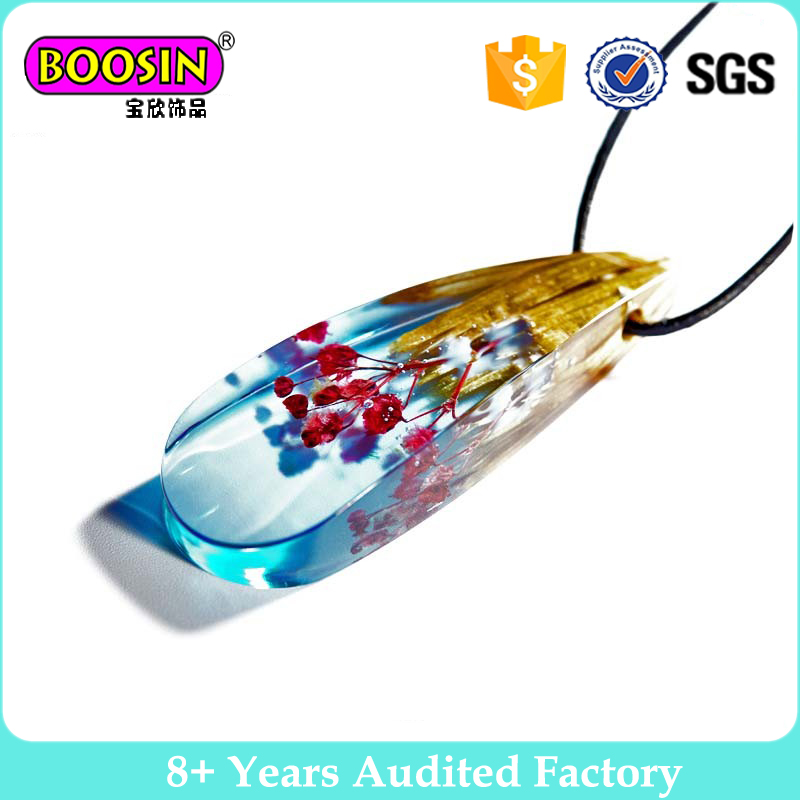 Handcraft high quality personalized custom epoxy resin charm pendant necklace manufacturers