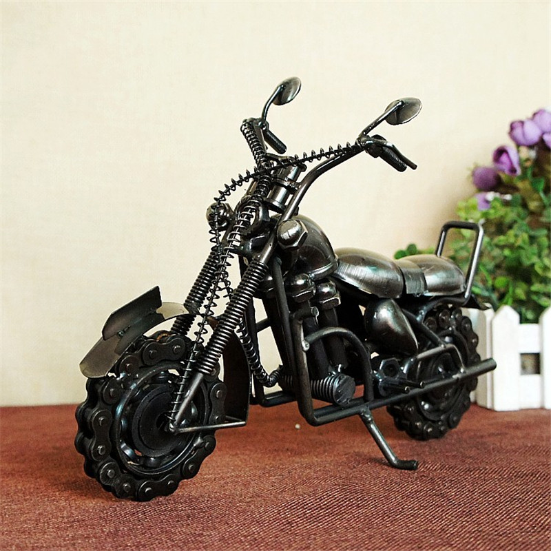 The new king domineering chain motorcycle model process decoration decorative gift M94 two colors optional