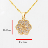 The charm of modern pendant jewelry, beautiful flower pendant