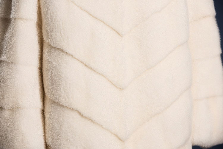 Natural White Mink Fur Jacket with Chinchilla Fur Collar Coat