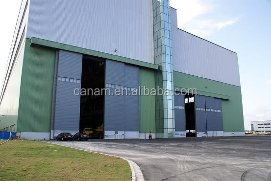 Large sliding aircraft hangar door large airplane hangar door