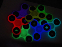 Multiple color New products glow in dark custom logo silicone hand spinner toys spinner fidget toy spinner