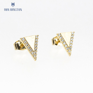 Fashionable women's 18k gold earring triangle earrings designs
