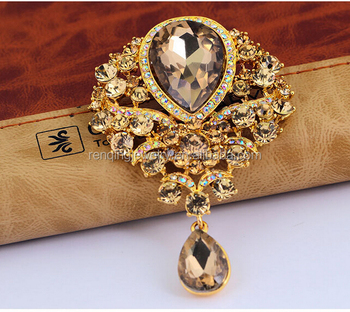 58ea1656c Autumn New Gold Brooch Bouquet Brand Jewelry Big Red Brooch Pins For Women  Wedding Jewelry Clothes