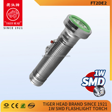 2017 the most powerful 2 D size dry battery powerd LED drive led torch