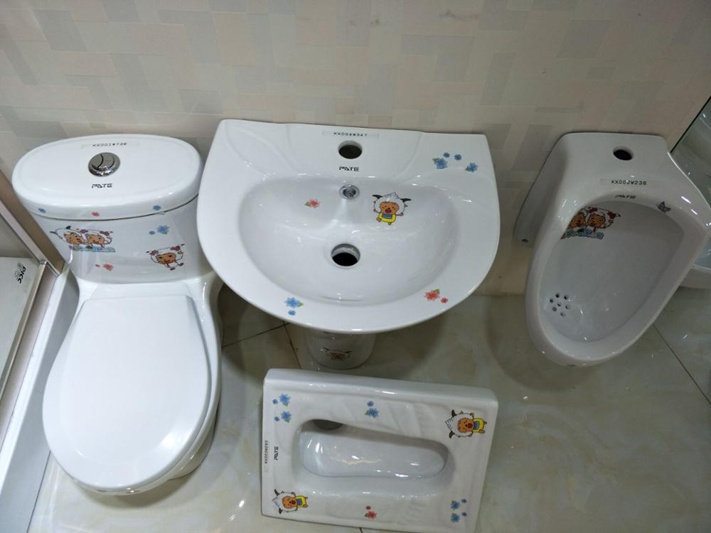 China Factory High Quality Kindergarten Bathroom Wc Kids