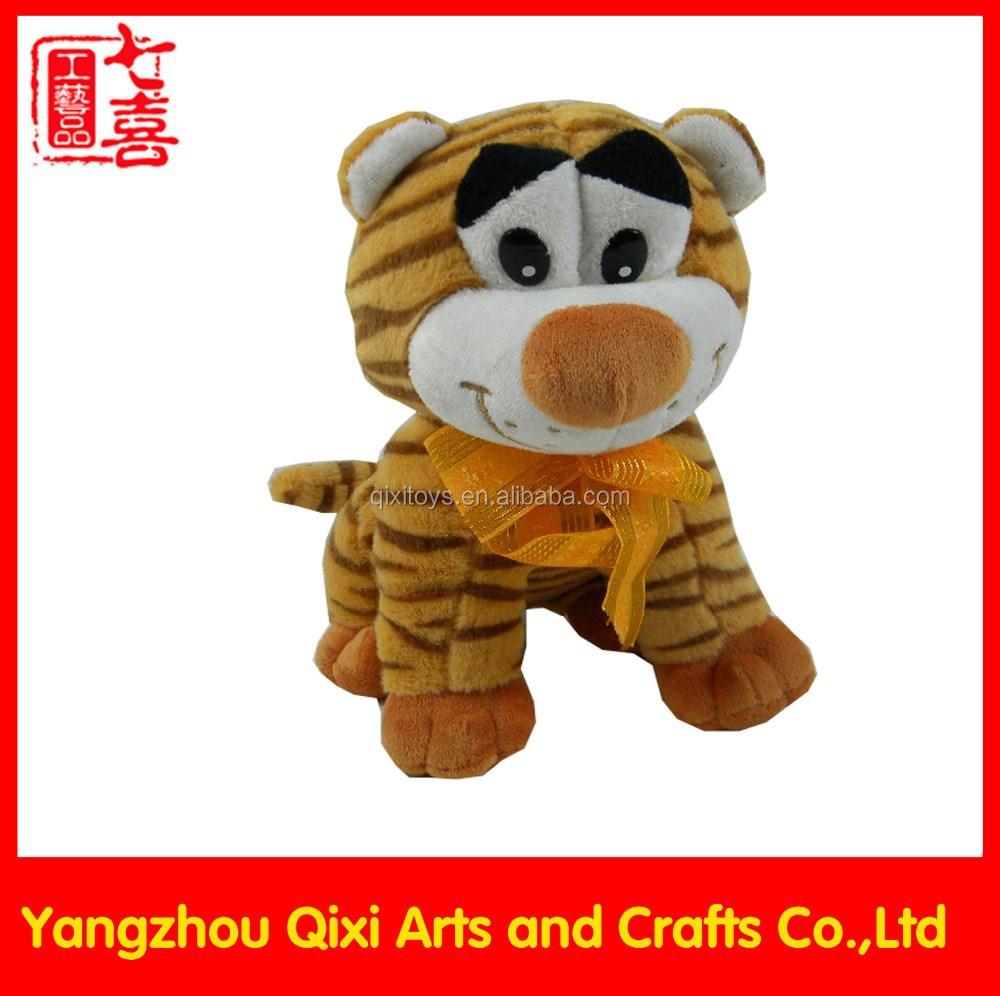 Yumuşak hayvanlar için keçe oyuncak yapılmış desen