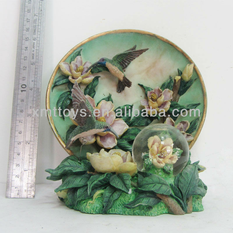 2013 hot sale flower polyresin craft for home decor with snow globe