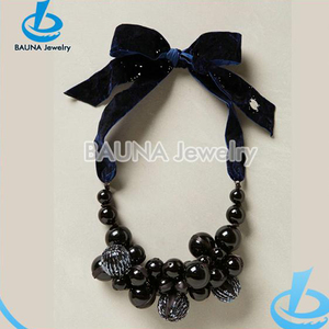 Inkiness beads cluster fabric choker necklace