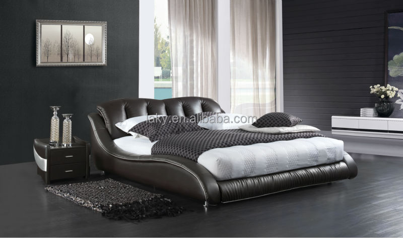 D202 newest modern italian leather king size bed buy for Contemporary super king bed