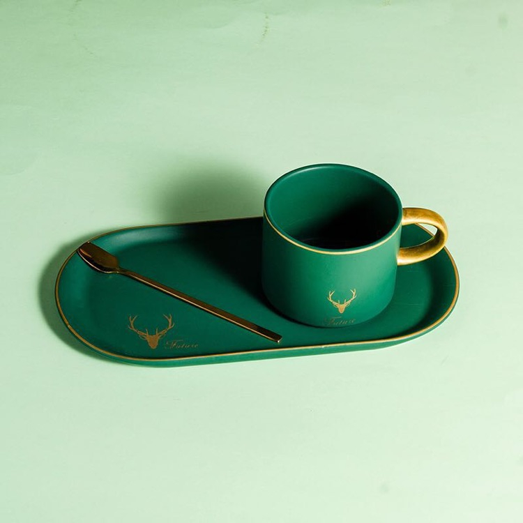 Creative design modern restaurant used gold handle ceramic coffee mugs with biscuit plate