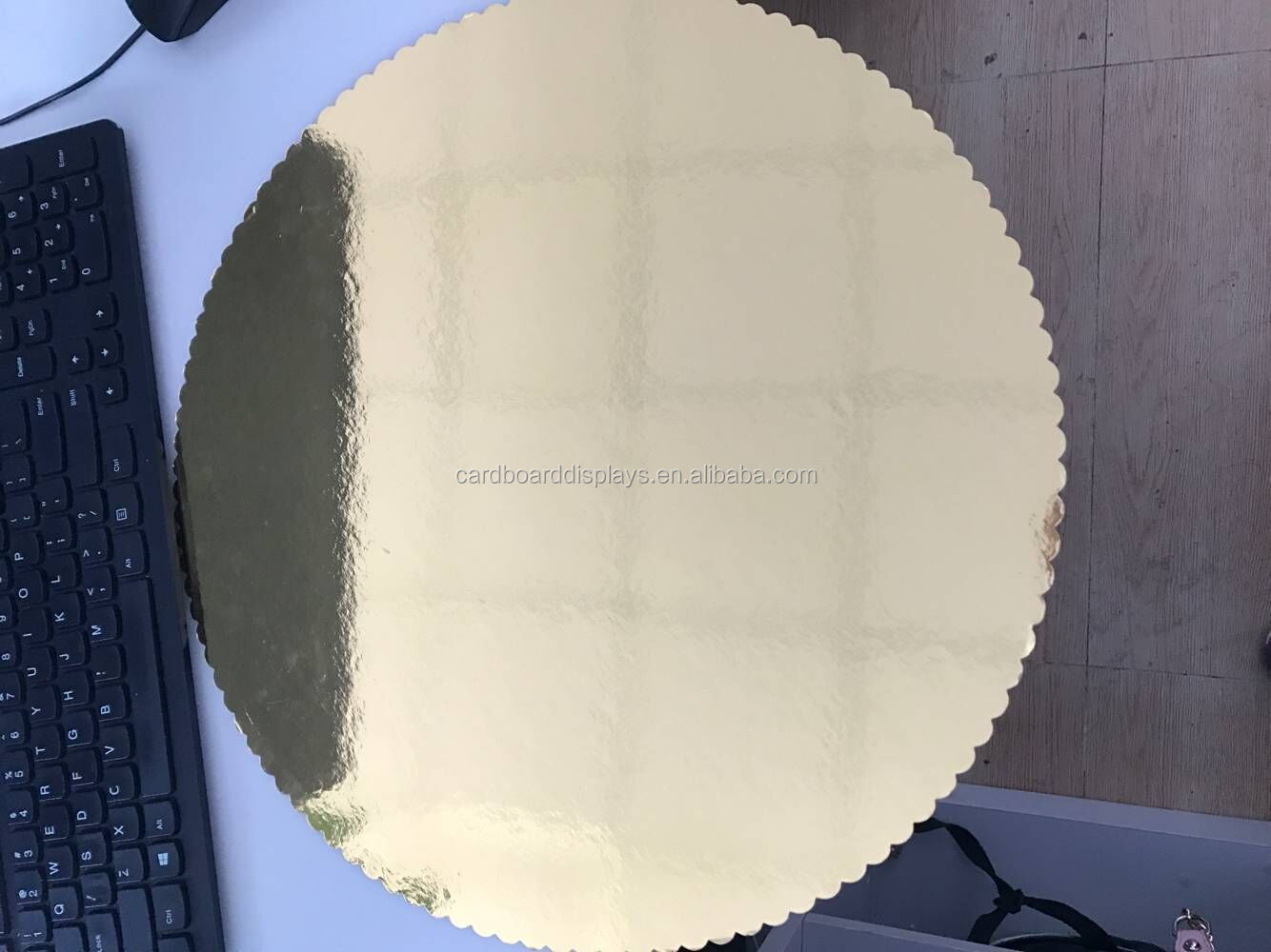 "ShenZhen Wholesale customized greaseproof round both gold 14"" paper cake base board"