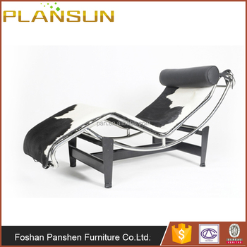 Modern Study Room Le Corbusier Style Black And White LC4 Chaise Lounge Chair