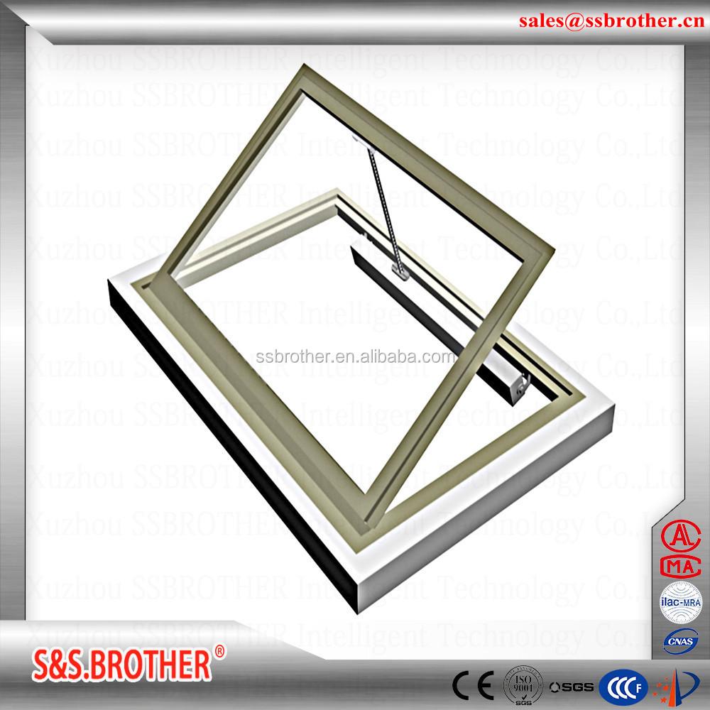 Botola sul tetto lucernario finestra attuatori elettrici for Lucernario prezzo