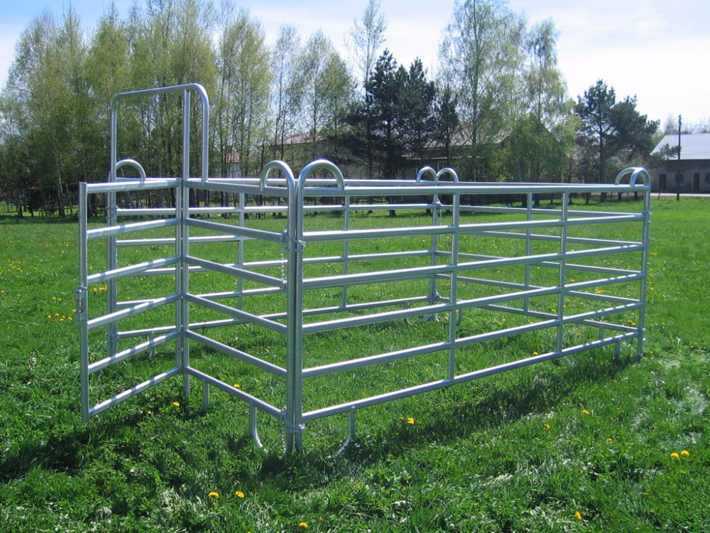 Livestock Field Farm Fence Types Of Fences For Farms