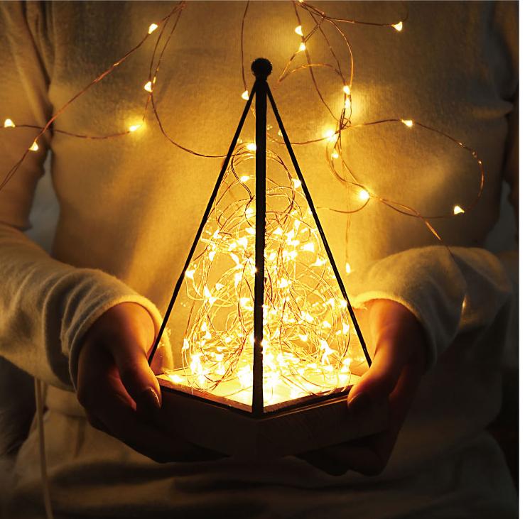 Creative-christmas-gift-house-lamp-fire-tree