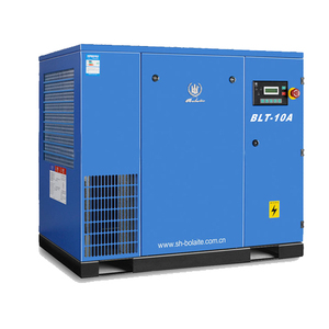 Screw compressor with high pressure air tanks