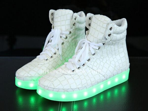 Sneakers Met Licht : Nieuwe model lange nek mannen led licht sneakers schoenen casual