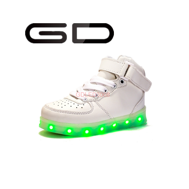 GD comfortable breathable material soft lining fashional LED sneakers for childrens