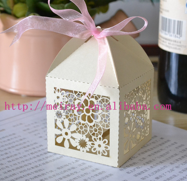 Guest Wedding Gift Box Paper Laser Cut Flower Shaped Ng