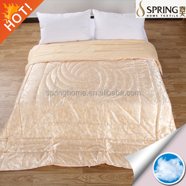 Luxurious jacquard wool or polyester quilt /duvet with vacuum packing