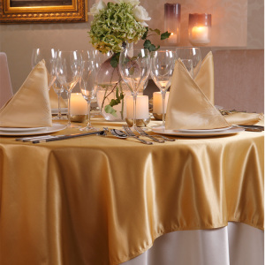 Polyester Beautiful Restaurant Fitted Table Cloth