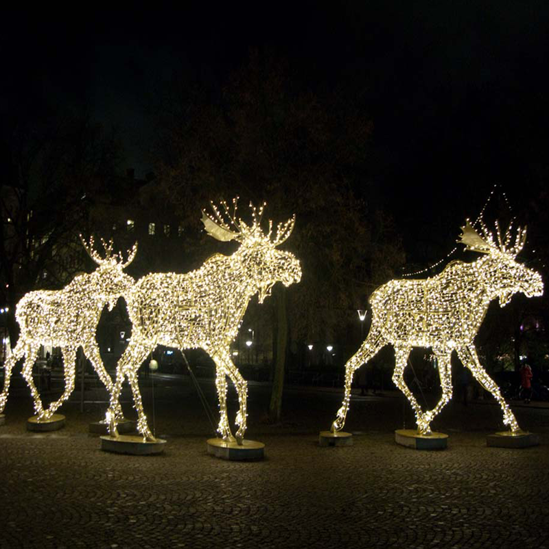 The reindeer motif light is handmade, delicate for eyeball catching during  the holiday. - Outdoor Lighted Christmas Sculpture Lights Reindeer Moose Led For
