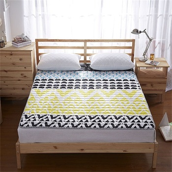 Sleep Well Bed Cover King Size Printed Soft Baby Thin Mattress Pad
