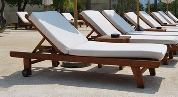 Wooden Sun Lounge For Swimming Pool