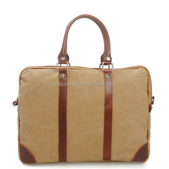 Durable Canvas Weekender Travle Bag for Men Outside