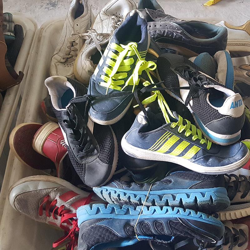 91225a634 مصادر شركات تصنيع أحذية مستعملة في بالات وأحذية مستعملة في بالات في  Alibaba.com