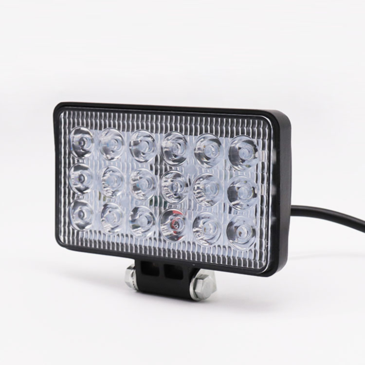 wholesale12V 4 inch 18 Lamp beads aluminum Plastic square led car light truck tail lamp auto headlights