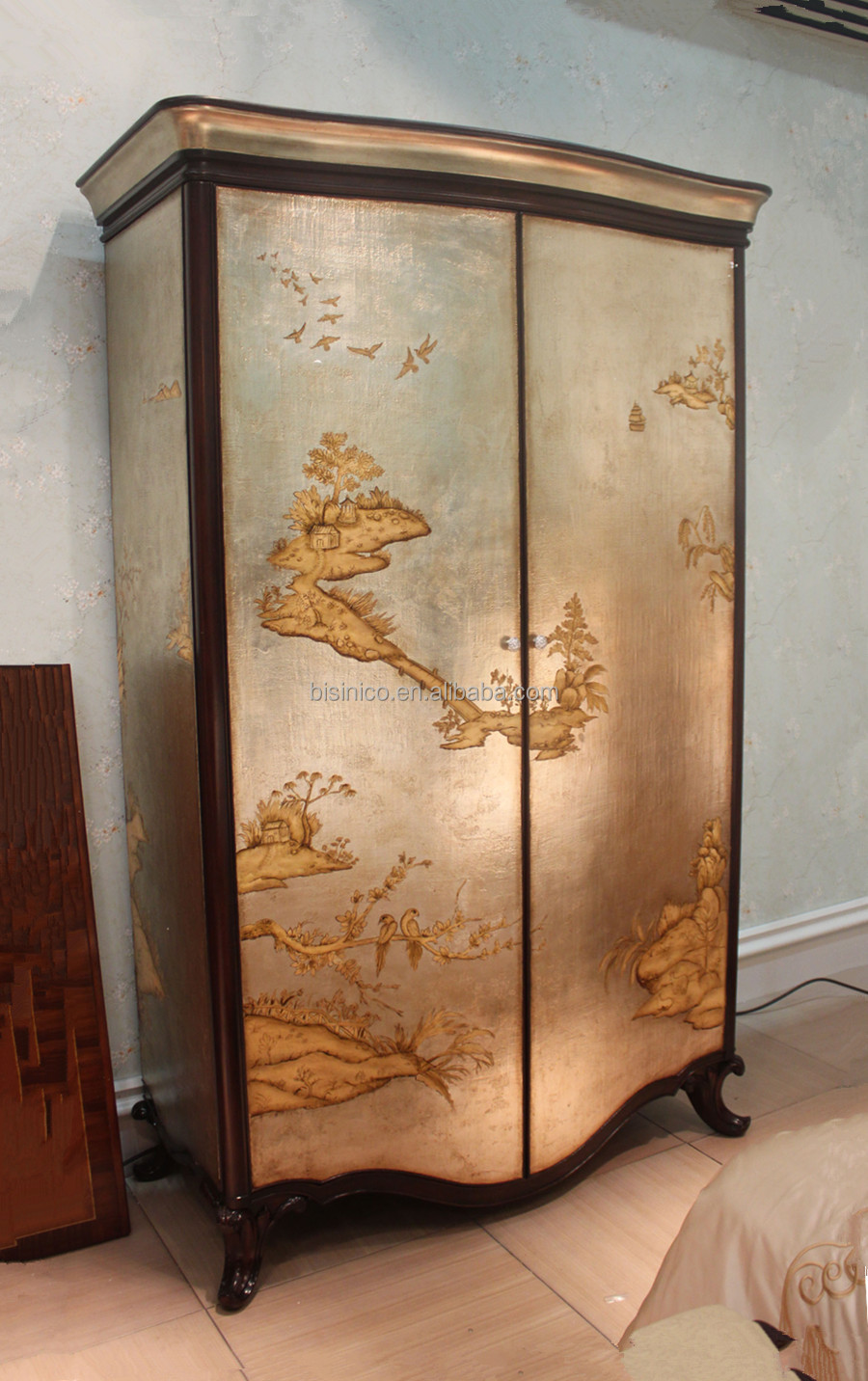 Antique Retro Bedroom Furniture, Vintage lacquer wooden Two-Door  Wardrobe/Armoire, Luxury Gold Lacquer Painting Palace Furniture, View royal  furniture ...