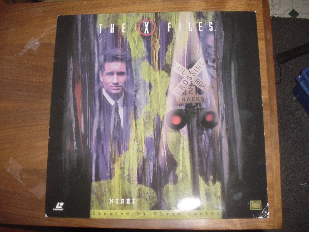 Laserdisc Laser Disc THE X FILES Contains 2 Uncut Episodes. Nisei & 731. Season 3 Episodes 9 & 10. Starring David Duchovney & Gillian Anderson.