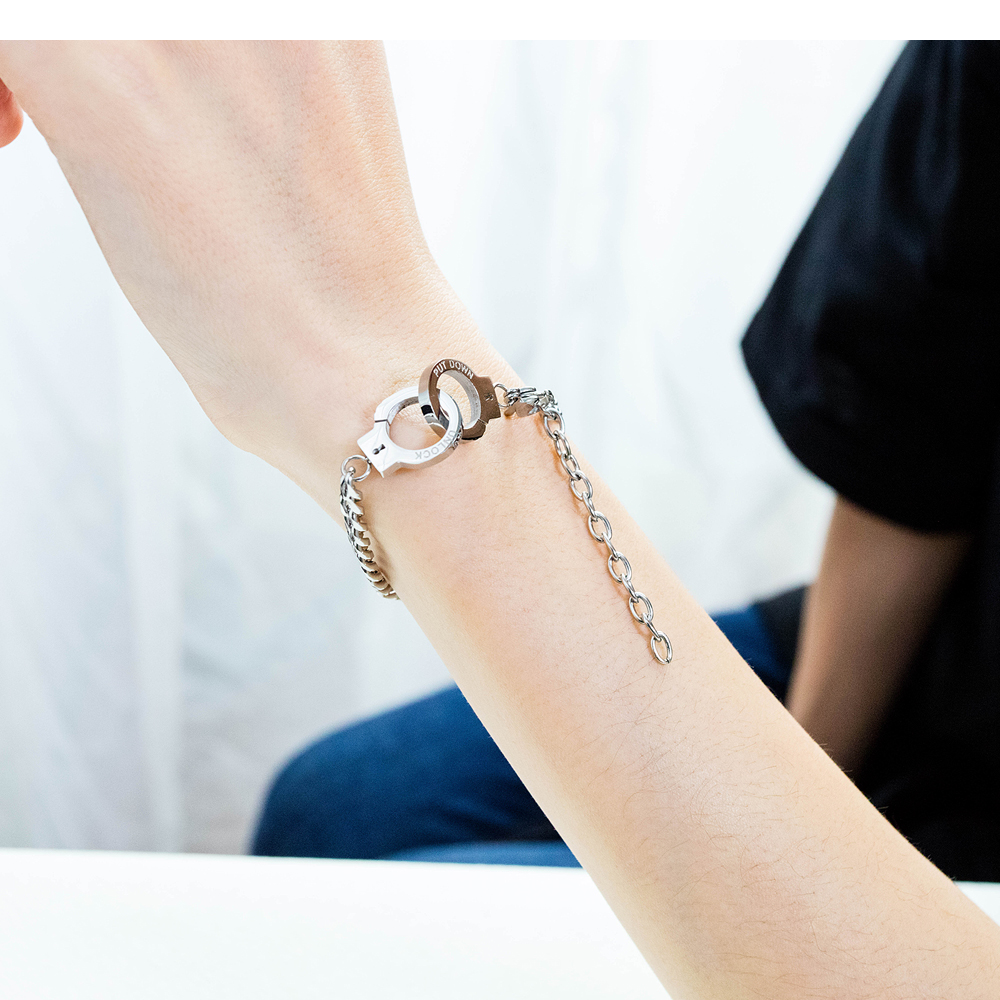New Fashion Personalized Design Ladies Stainless Steel Handcuff Bracelet