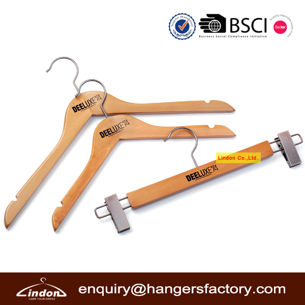 High Quality LOGO Wood Hangers for Clothes