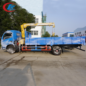 DONGFENG 4*2 6 tons mini truck mounted lorry crane