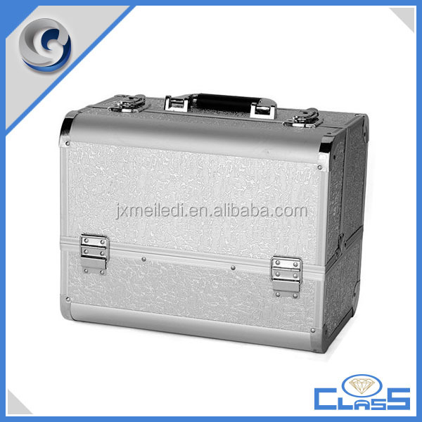 MLD-AB113 New Pretty Silver Sturdy Aluminum Vanity Train Carrying Makeup Artist Tool Box for Cosmetics