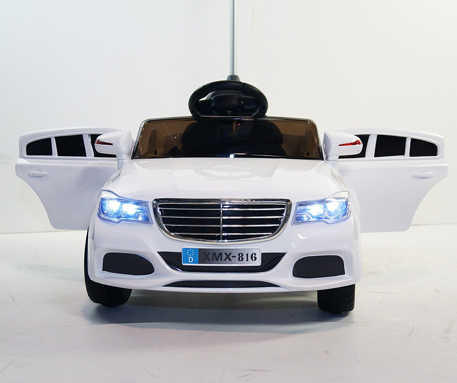 Ride on car MERCEDES style. Ride-Ons for kids, boys and girls, from 2 to 5 years. Car on electric battery, total 12V. One Electric motor. 3 speeds. MP3. With remote control. R/C. Battery operated.