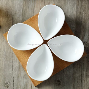 4 pieces best quality new design snack porcelain dishes with wooden tray for party