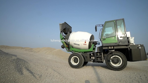 Self loading 1.2m3 mini cement mixer concrete transit mixer for sale