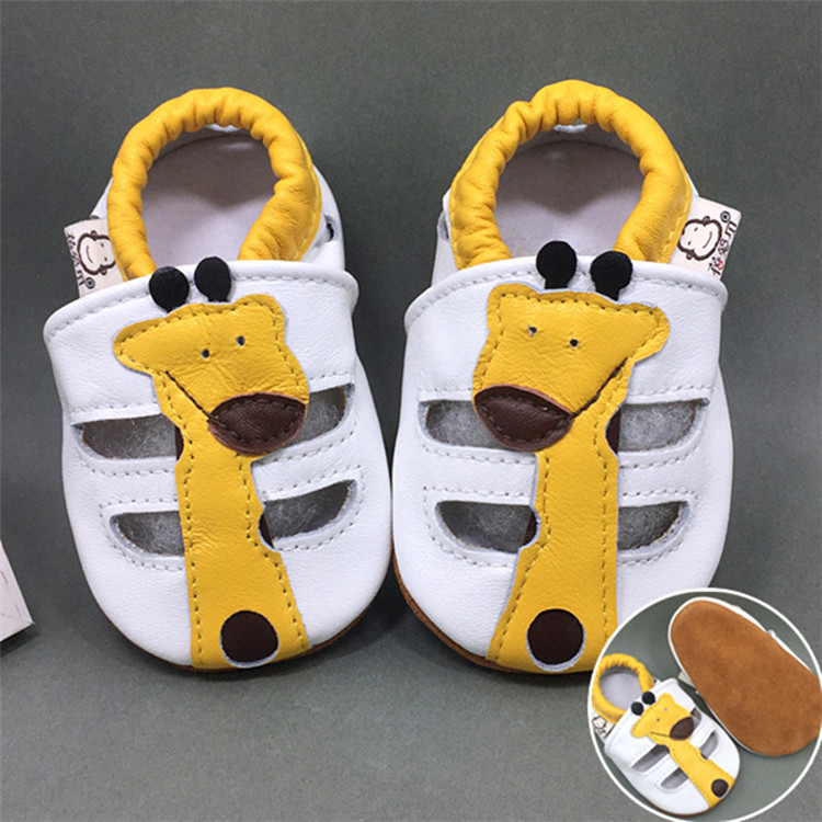 Wholesale High Quality Fancy Designs Beautiful Leather Baby Shoes Soft Sole
